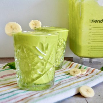 tropical green spinach smoothie